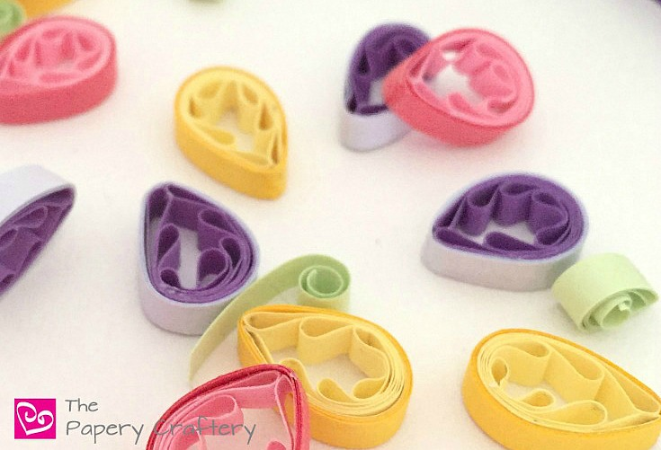 Why Quilling is the Perfect Craft ~ The top reasons you should pick up some supplies and start quilling today! || www.thepaperycraftery.com